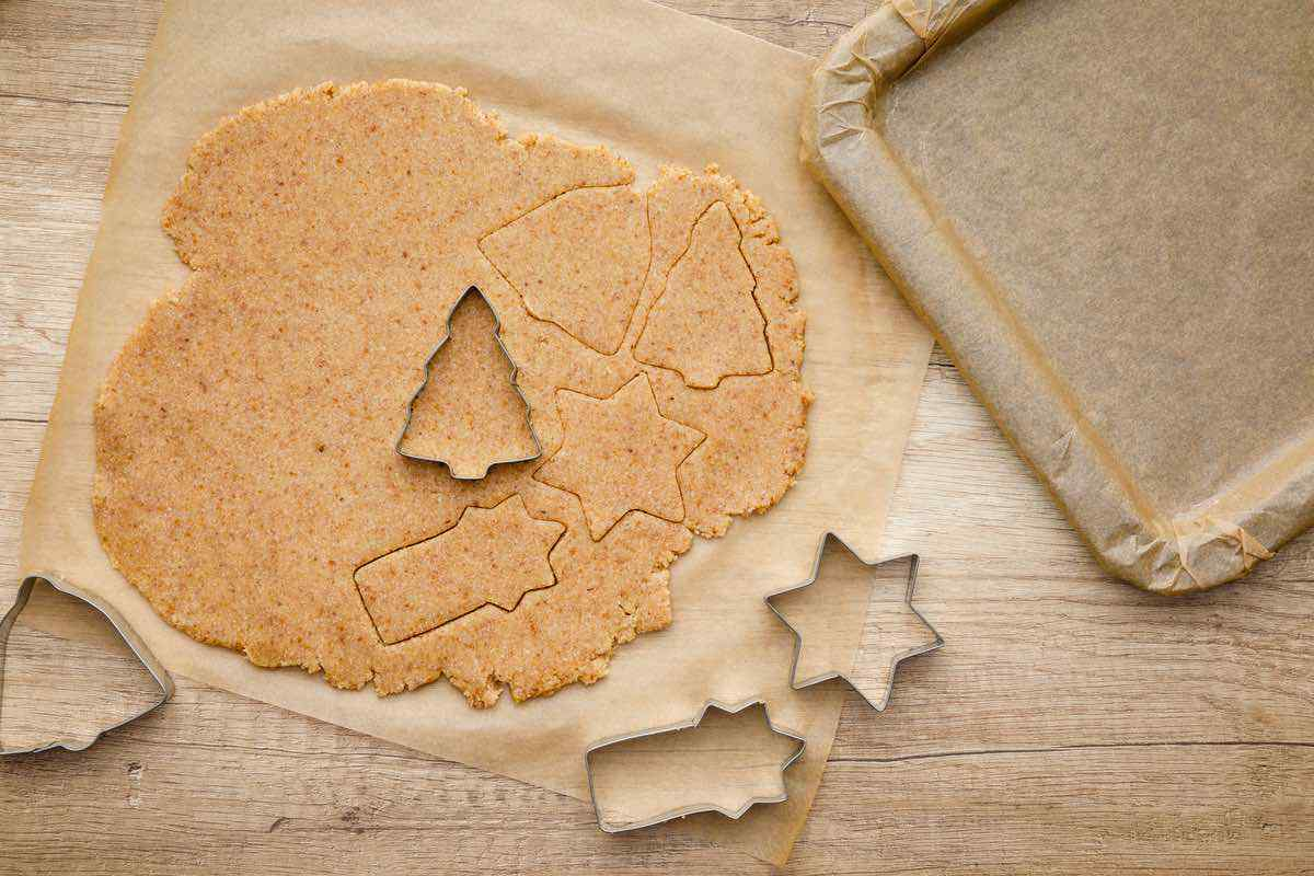 Keto Gingerbread Christmas Cookies