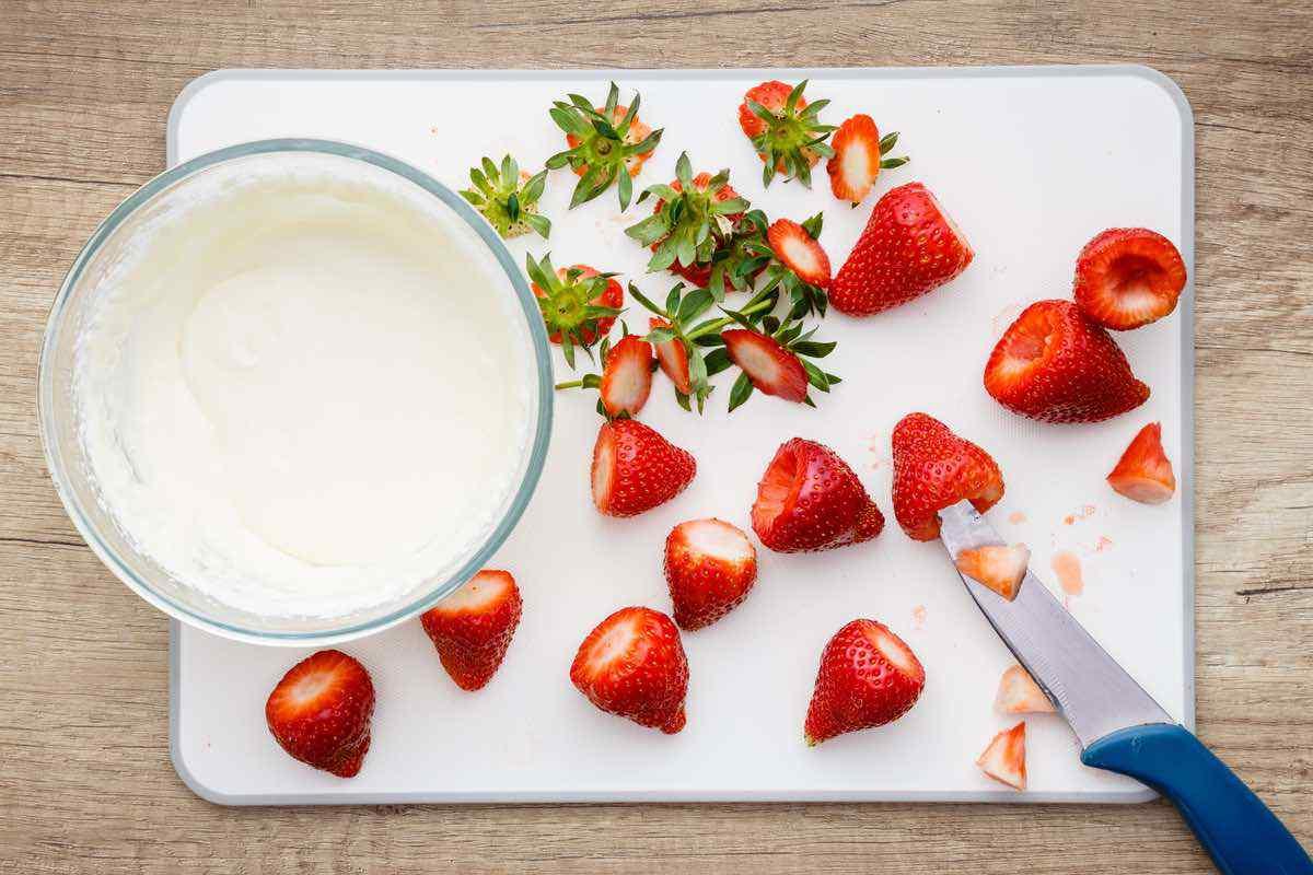 Keto Strawberry Cheesecake Bites
