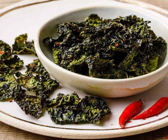 Garlic and Chili Keto Baked Kale Chips