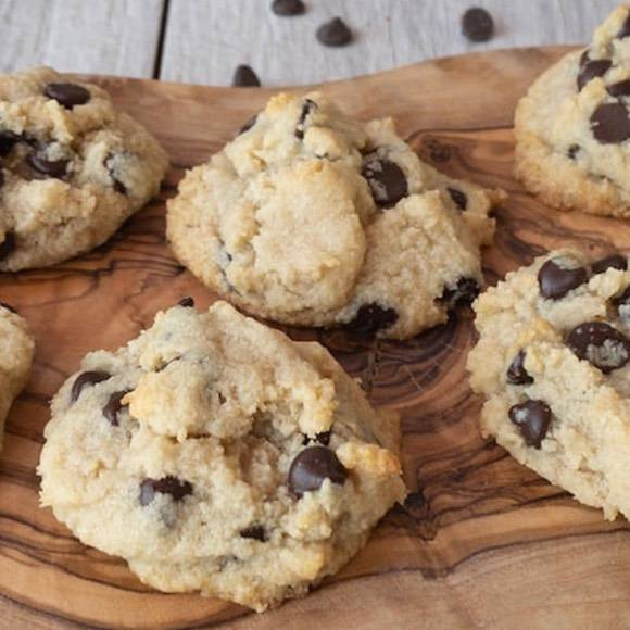 Classic Keto Chocolate Chip Cookies