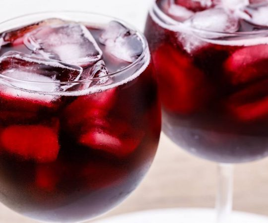 Keto Red Wine Spritzer