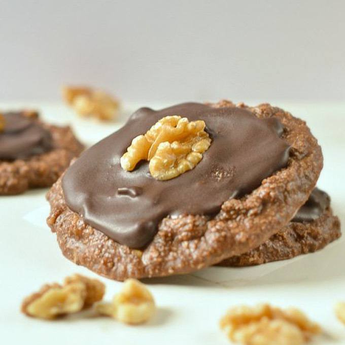 Keto No-Bake Cookie Biscuits