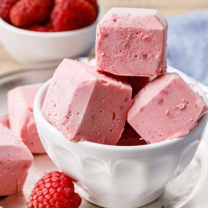Raspberry Cheesecake Fat Bombs