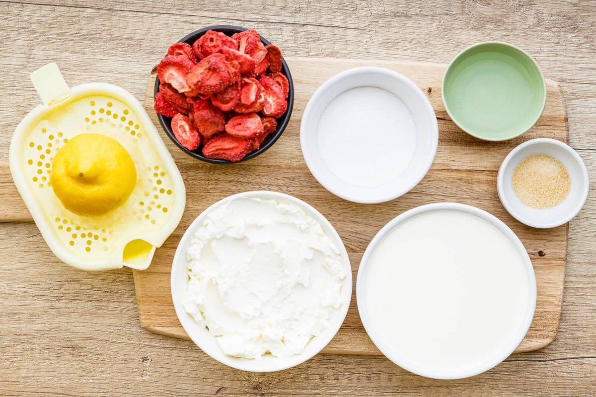 Keto Strawberry Cream Pie
